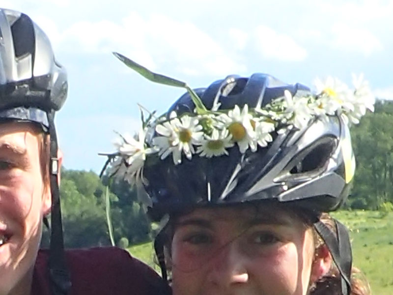 daisy chain helmet decoration